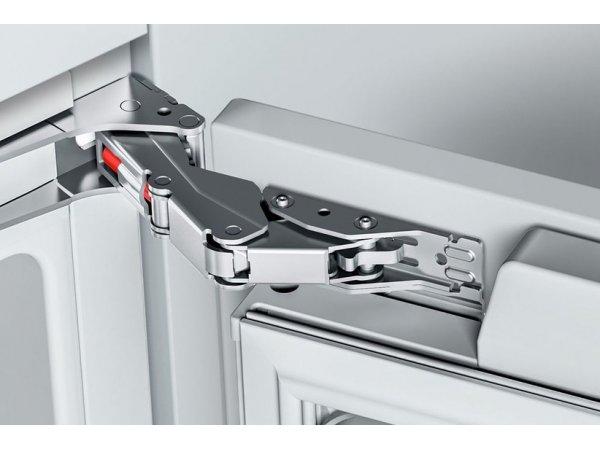 Встраиваемый холодильник Bosch KIF86HD20R