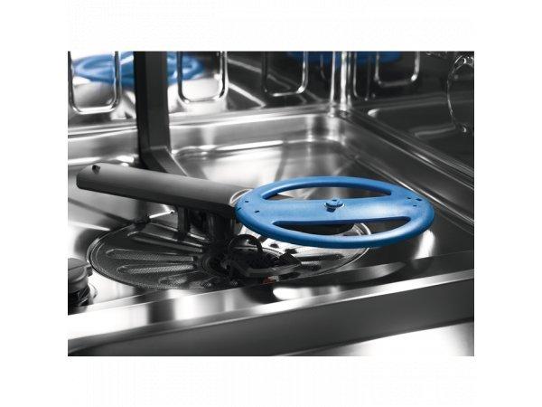 Встраиваемая посудомоечная машина Electrolux EEC967310L