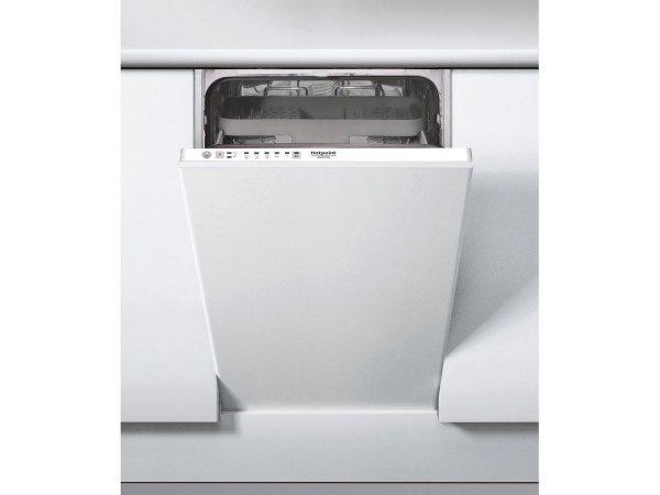 Встраиваемая посудомоечная машина Hotpoint/Ariston HSIE 2B0 C